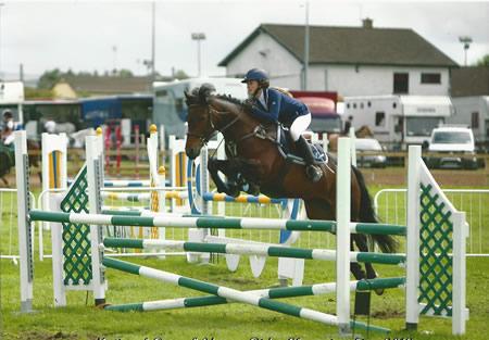 Connemara Pony beim Springen
